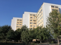 Anapa, Stakhanov st, house 13. Apartment house