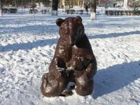Крымск, улица Ленина. скульптура Медвежата