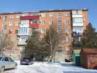 Krymsk, Komsomolskaya st, house 35. Apartment house