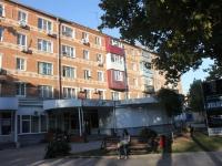 Temryuk, Lenin st, house 48. Apartment house