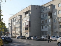 Temryuk, Tamanskaya st, house 16/2. Apartment house