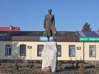 Timashevsk, monument И.Д. ПопкоLenin st, monument И.Д. Попко