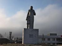 Тимашевск, улица Красивая. памятник Памяти павших