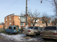 Timashevsk, Sakharny zavod district, house 28. Apartment house