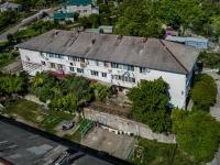 Туапсе, улица Шаумяна (с. Кроянское), дом 4. многоквартирный дом
