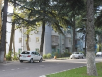 Tuapse, Marshal Zhukov st, house 22. Apartment house