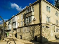 Tuapse, Marshal Zhukov st, house 19. Apartment house with a store on the ground-floor