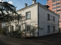 Tuapse, Poletaev st, house 15. Apartment house