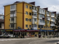 Tuapse, Frunze st, house 28. Apartment house with a store on the ground-floor