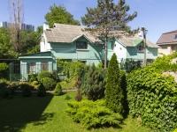 Туапсе, улица Сочинская, дом 13. многоквартирный дом