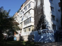 Tuapse, Chernomorskaya st, house 3. Apartment house with a store on the ground-floor