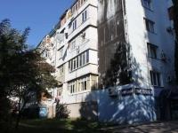 Туапсе, улица Черноморская, дом 3. жилой дом с магазином