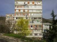Tuapse, Chernomorskaya st, house 4. Apartment house