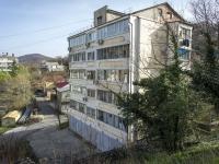 Туапсе, улица Черноморская, дом 10. многоквартирный дом