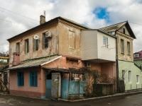 Туапсе, улица Деповская, дом 11. многоквартирный дом