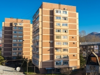 Туапсе, улица Богдана Хмельницкого, дом 28. многоквартирный дом