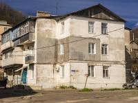 Туапсе, Железнодорожный переулок, дом 13. многоквартирный дом