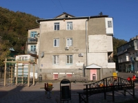 Tuapse, Kievsaya st, house 12. Apartment house
