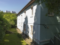 Tuapse, Pushkin st, house 1. Apartment house