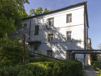 Tuapse, Pushkin st, house 9. Apartment house