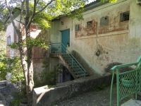 Tuapse, Pushkin st, house 10. Apartment house
