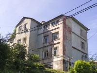 Tuapse, Pushkin st, house 39. Apartment house