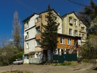 Tuapse, Pushkin st, house 37. Apartment house