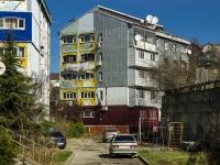 Туапсе, улица Воровского, дом 8. многоквартирный дом