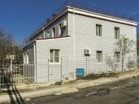 Туапсе, улица Нахимова, дом 62. многоквартирный дом