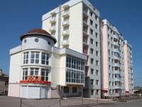 Железноводск, улица Карла Маркса, дом 73. жилой дом с магазином