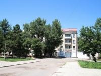 Минеральные Воды, Карла Маркса проспект, дом 62. жилой дом с магазином