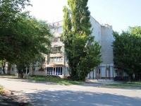 Минеральные Воды, улица Гагарина, дом 48. жилой дом с магазином