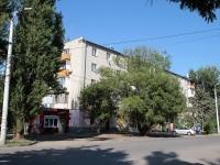 Минеральные Воды, улица 50 лет Октября, дом 28. жилой дом с магазином