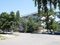 Минеральные Воды, улица Ставропольская, дом 15. жилой дом с магазином