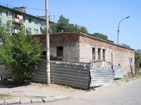 Астрахань, улица Барсовой, неиспользуемое здание