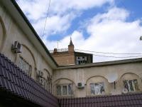Астрахань, многоквартирный дом Армянское торговое подворье, памятник архитектуры, улица Советская, дом 9