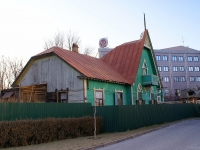 Astrakhan, Admiralteyskaya st, house 1/16. Private house