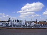 Астрахань, фонтан Петровскийулица Набережная реки Волги, фонтан Петровский