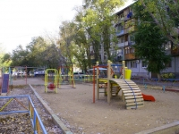 Астрахань, улица Луконина, дом 10 к.1. многоквартирный дом