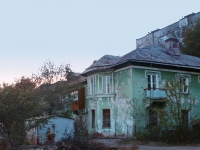 Astrakhan, 1st Liteynaya st, house 4. Apartment house