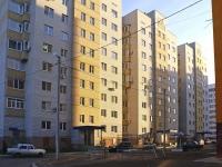 Астрахань, улица Безжонова, дом 82 к.1. многоквартирный дом