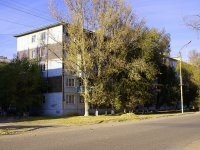 neighbour house: st. Bezzhonov, house 88. Apartment house