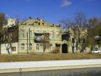 Astrakhan, Naberezhnaya pervogo maya st, house 111. Apartment house