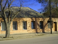Astrakhan, Naberezhnaya pervogo maya st, house 129. Apartment house