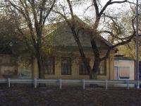 Astrakhan, Naberezhnaya pervogo maya st, house 142. Private house