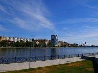 Astrakhan, Naberezhnaya privolzhskogo zatona st, house 25. Apartment house