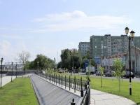 Астрахань, улица Набережная Приволжского Затона, дом 32. многоквартирный дом