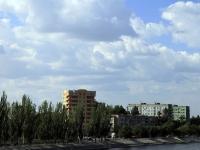 Астрахань, улица Набережная Приволжского Затона, дом 34. многоквартирный дом
