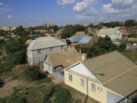 Astrakhan, Naberezhnaya privolzhskogo zatona st, house 83. Private house