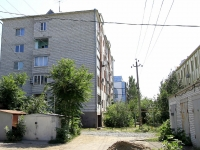 Astrakhan, Sen-Simon st, house 40 к.2. Apartment house